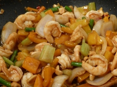 Prawn and cashew nut with sweet peppers